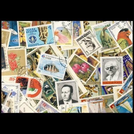 100 sellos matasellados diferentes de todo el mundo.             (Ref.018)