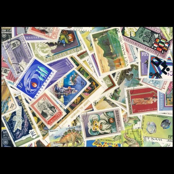 100 sellos matasellados diferentes de todo el mundo.             (Ref.020)