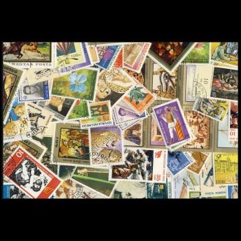 100 sellos matasellados diferentes de todo el mundo.             (Ref.023)