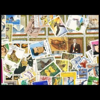 100 sellos matasellados diferentes de todo el mundo.             (Ref.028)