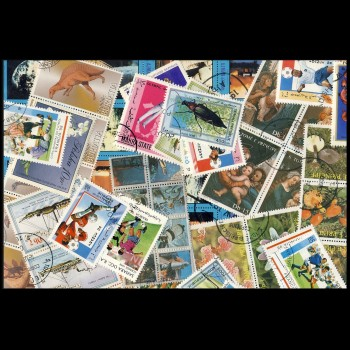 100 sellos matasellados diferentes de todo el mundo.             (Ref.056)
