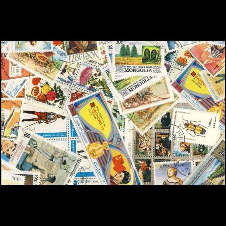 100 sellos matasellados diferentes de todo el mundo.             (Ref.011)