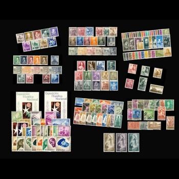 ESPAÑA. Pack de diez  años completos de 1950 a 1959.   Sin 1075/82, 1083, 1083 a/b, 1090 y 1124/25