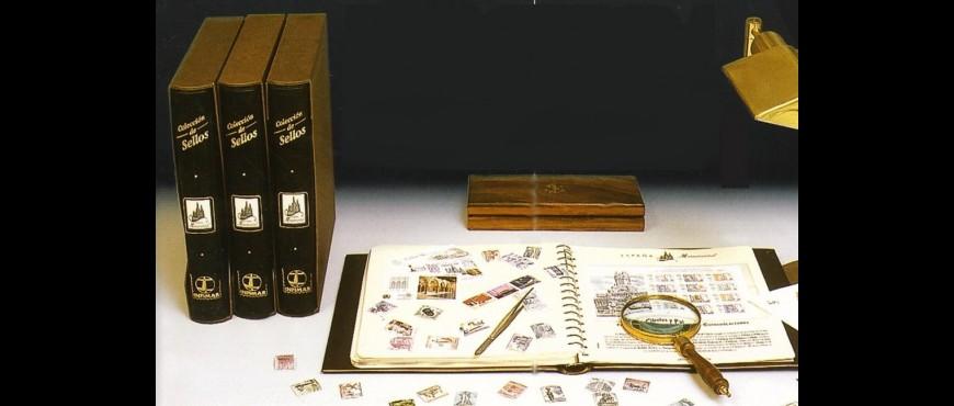 """Colección  """" España   Monumental"""" y  material filatélico."""